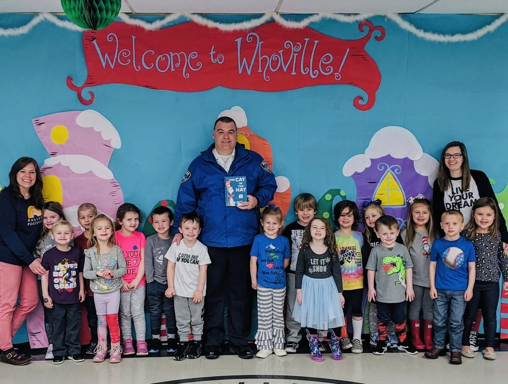 Brett Burleson, Winfield Chief of Police, was a guest reader for PreK during Read Across America week. Thank you, Chief Burleson!